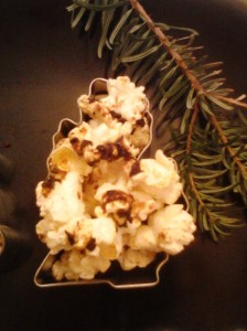 Gingerbread Coffee Spiced Popcorn